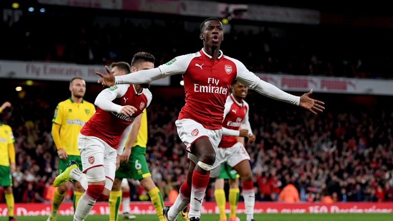 LONDON, ENGLAND - OCTOBER 24:  Edward Nketiah celebrates scoring the first Arsenal goal during the Carabao Cup Fourth Round match between Arsenal and Norwi