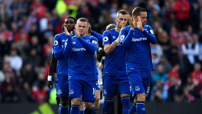 MANCHESTER, ENGLAND - SEPTEMBER 17: Wayne Rooney of Everton shows appreciation to the fans prior to the Premier League match between Manchester United and