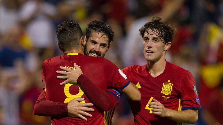 ALICANTE, SPAIN - OCTOBER 06: Isco Alarcon of Spain celebrates after scoring Spain's 3rd goal during the FIFA 2018 World Cup Qualifier between Spain and Al
