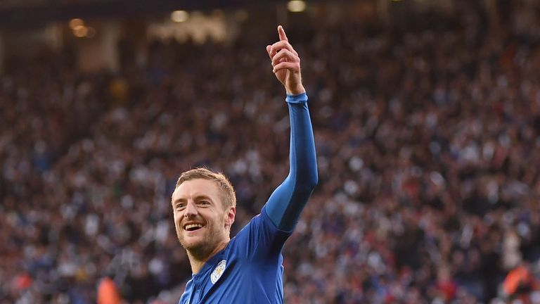 Jamie Vardy celebrates scoring Leicester's opener against Everton