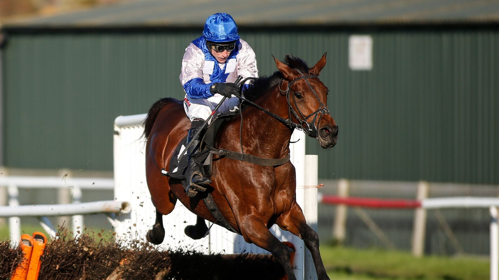 Roksana romps home at Wetherby