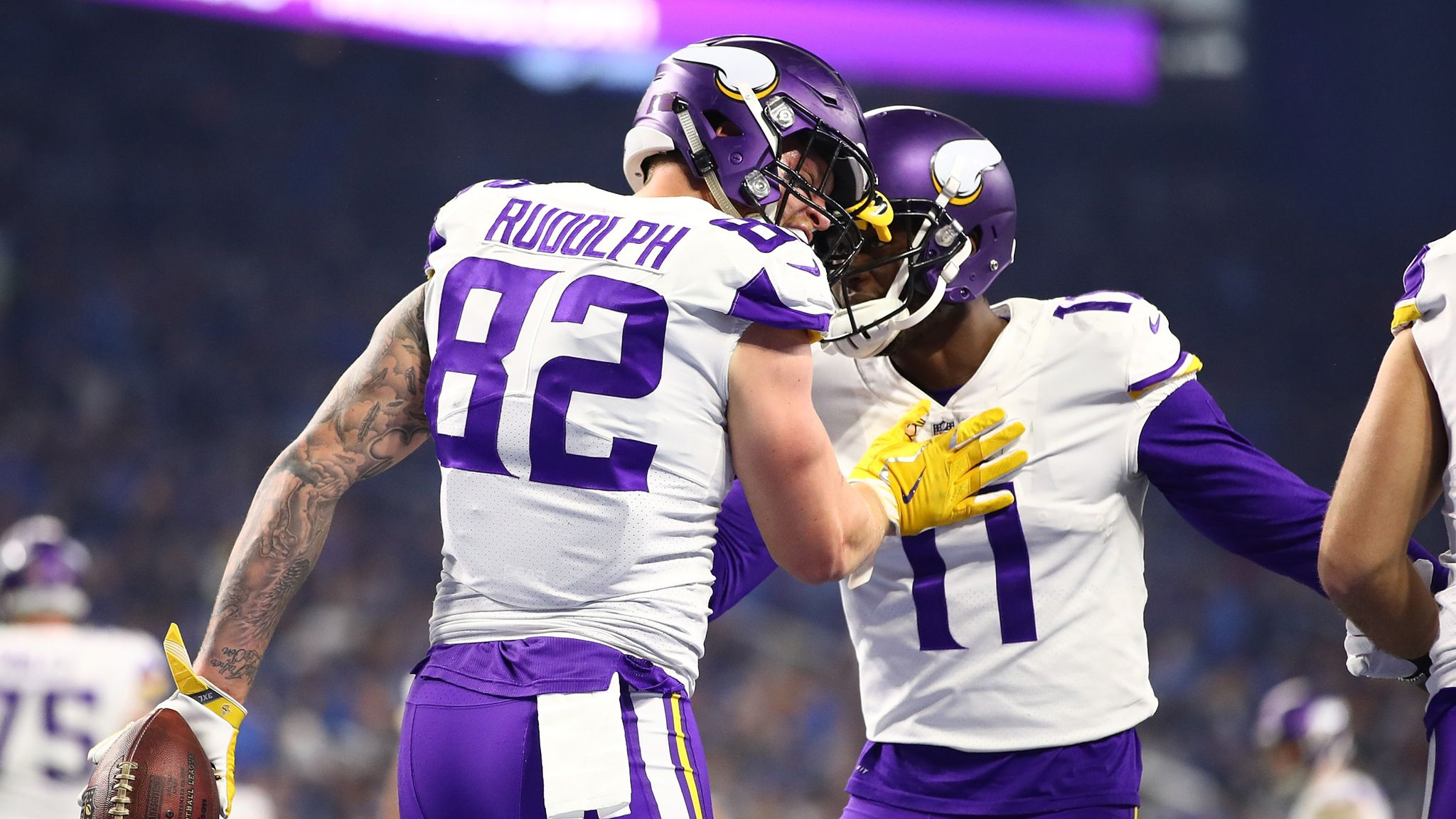 on sale 917a0 47fa7 Kyle Rudolph signs Minnesota Vikings contract extension ...