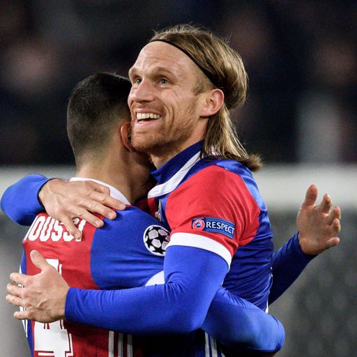 Basel late show stuns United