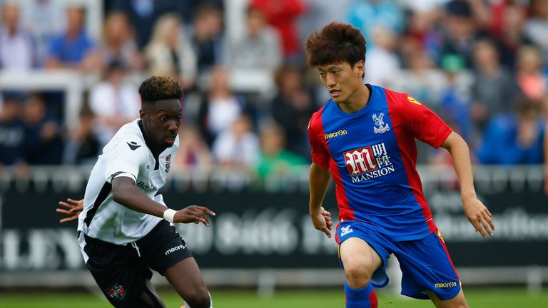 Bolton are in talks to re-sign Chung-Yong Lee