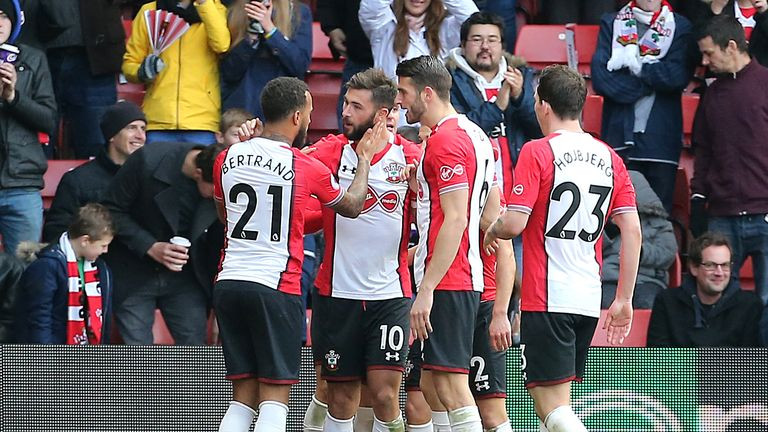 Southampton's Charlie Austin (2nd left) celebrates scoring his side's second goal with his team-mates during the Premier League match v Everton