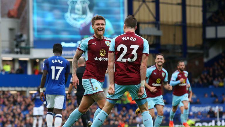 Jeff Hendrick celebrates with Stephen Ward after scoring against Everton