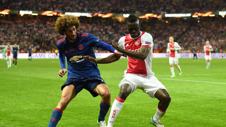 STOCKHOLM, SWEDEN - MAY 24: Marouane Fellaini of Manchester United and Davinson Sanchez of Ajax compete for the ball during the UEFA Europa League Final be
