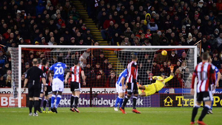 SHEFFIELD, ENGLAND - NOVEMBER 25: Jeremie Boga of Birmingham City scores the first goal during the Sky Bet Championship match between Sheffield United and