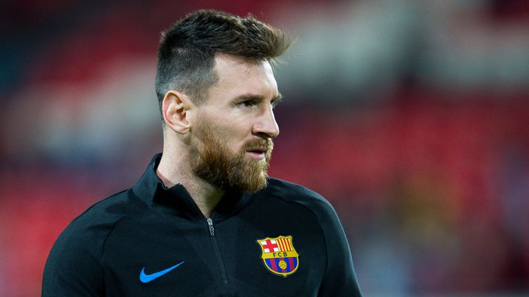 BILBAO, SPAIN - OCTOBER 28:  Lionel Messi of FC Barcelona looks on prior to the start the La Liga match between Athletic Club Bilbao and FC Barcelona at Sa