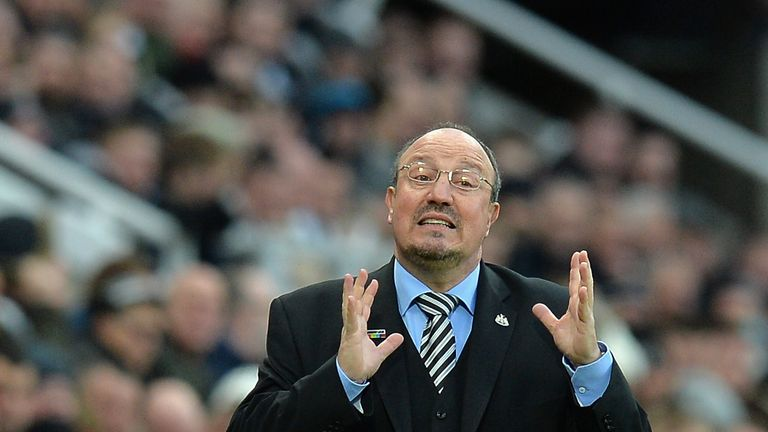 Rafa Benitez gives instructions during the Premier League match between Newcastle United and Watford