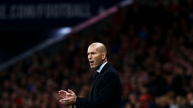 MADRID, SPAIN - NOVEMBER 18:  Head coach Zinedine Zidane of Real Madrid CF gives instructions during the La Liga match between Club Atletico Madrid and Rea