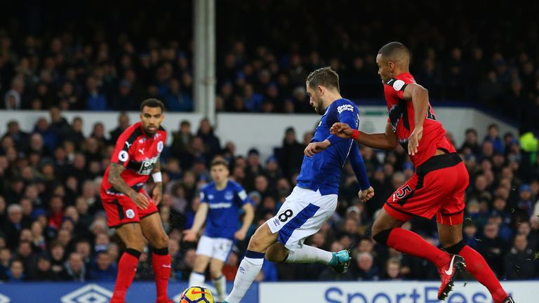 LIVERPOOL, ENGLAND - DECEMBER 02: Gylfi Sigurdsson of Everton scores his sides first goal during the Premier League match between Everton and Huddersfield