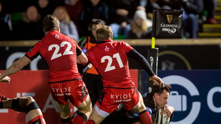 Glasgow's Lee Jones scores the game's only try in second-half injury-time