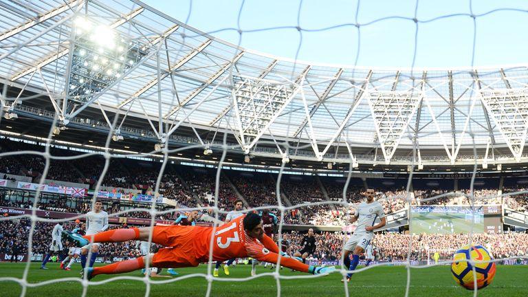 Arnautovic makes it 1-0 to West Ham