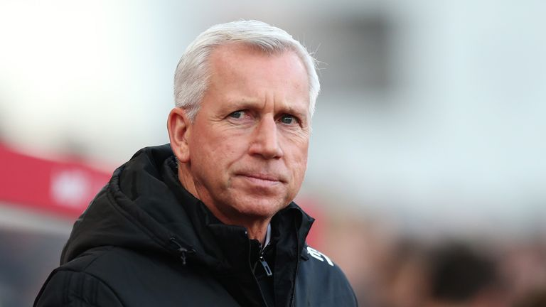 Alan Pardew was manager at the time when Newcastle were interested in Aubameyang