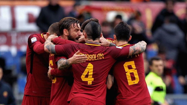 Roma celebrate the opening goal from Lorenzo Pellegrini