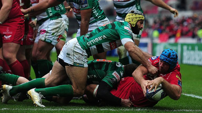 Tadhg Beirne was among the try scorers for Scarlets who looked set to cruise to victory