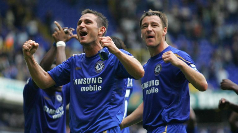 London, UNITED KINGDOM:  Frank Lampard (L) and John Terry of Chelsea celebrates at the final whistle their win over Tottenham in a premiership match at Whi