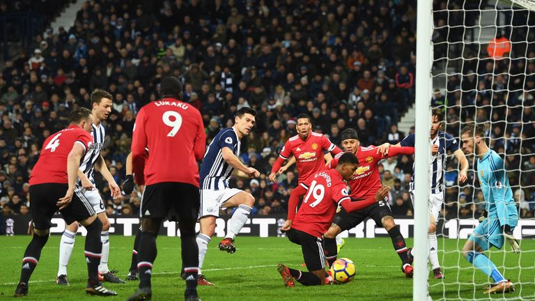 WEST BROMWICH, ENGLAND - DECEMBER 17:  Gareth Barry of West Bromwich Albion scores his sides first goal during the Premier League match between West Bromwi
