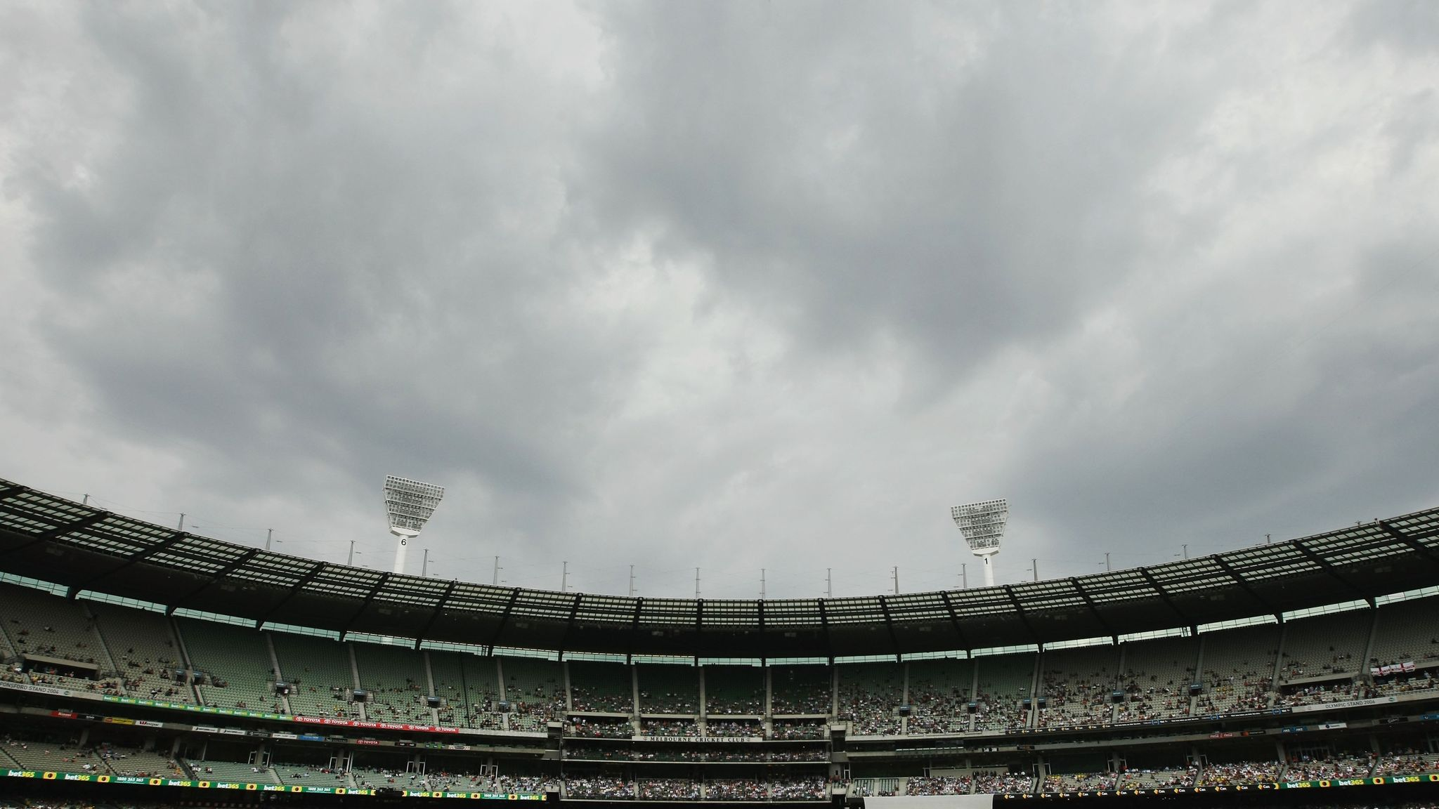Melbourne Cricket Ground warned by ICC over poor Ashes pitch