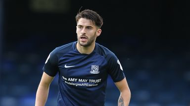 Stephen Hendrie leaves Southend for Motherwell on loan