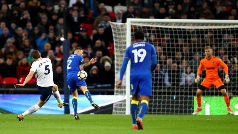 Jan Vertonghen fires in Tottenham's third from range