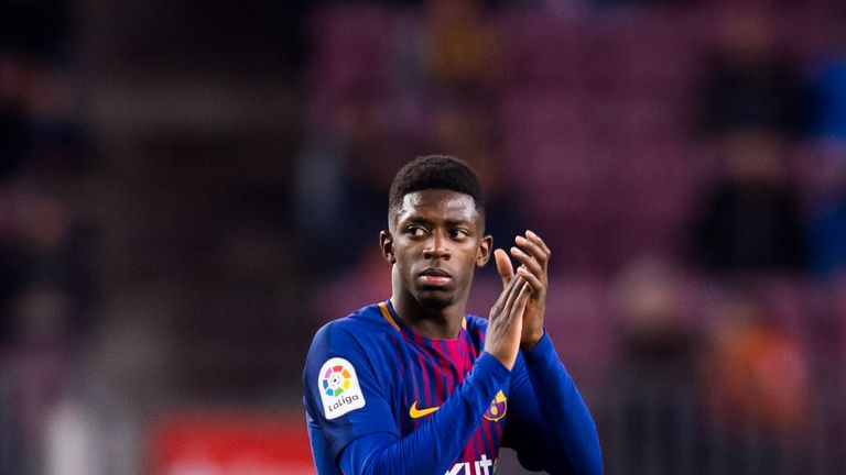 Ousmane Dembele applauds to the crowd as he's substituted during the La Liga match between Barcelona and Levante