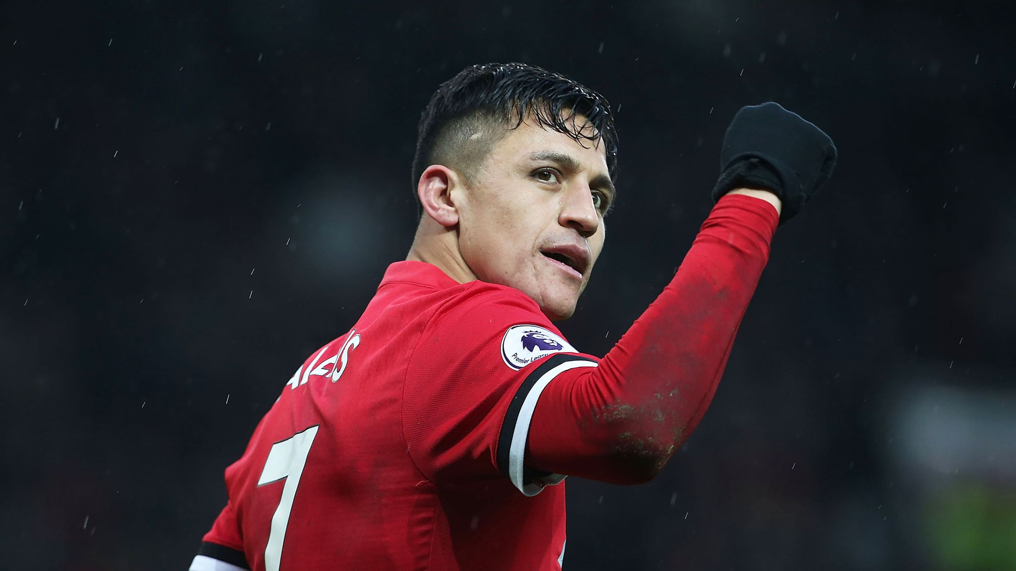 Alexis Sanchez breaks Manchester United shirt sales and social ...