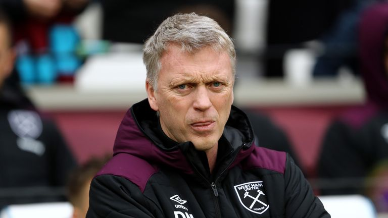 LONDON, ENGLAND - FEBRUARY 10:  David Moyes, Manager of West Ham United looks on ahead of the Premier League match between West Ham United and Watford at L
