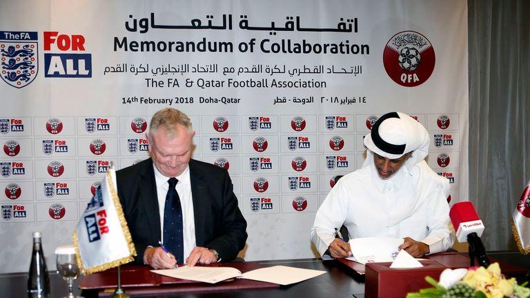 FA chairman Greg Clarke signs memorandum of collaboration with Qatar FA (image courtesy of @DavidHardingAFP)