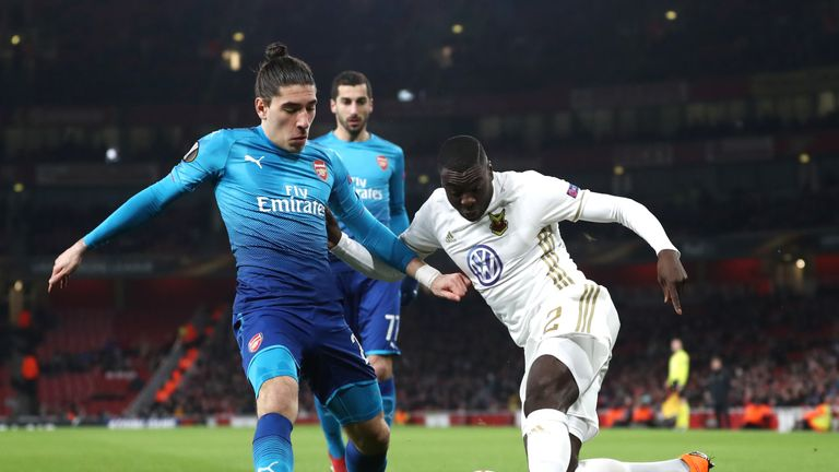 Hector Bellerin in action for Arsenal against Ostersunds