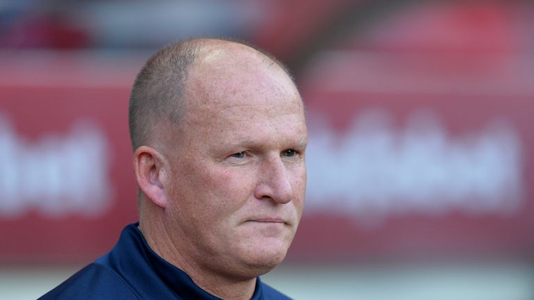 SUNDERLAND, ENGLAND - AUGUST 04: Sunderland manager Simon Grayson looks on during the Sky Bet Championship match between Sunderland and Derby County at Sta