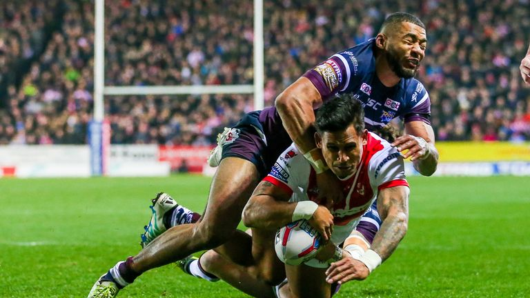 Ben Barba's two tries were not enough to help maintain his side's unbeaten run