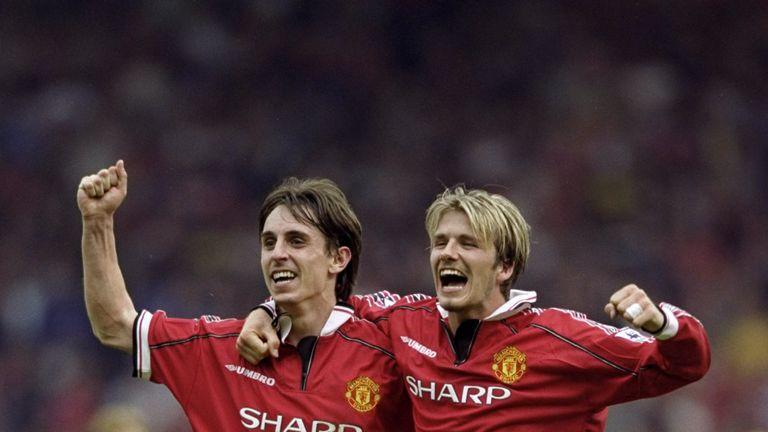Gary Neville and David Beckham win title Manchester United 1999