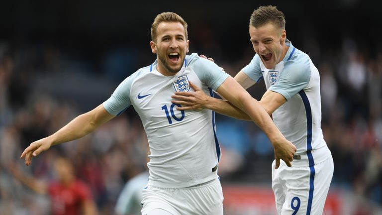Harry Kane and Jamie Vardy in action together for England