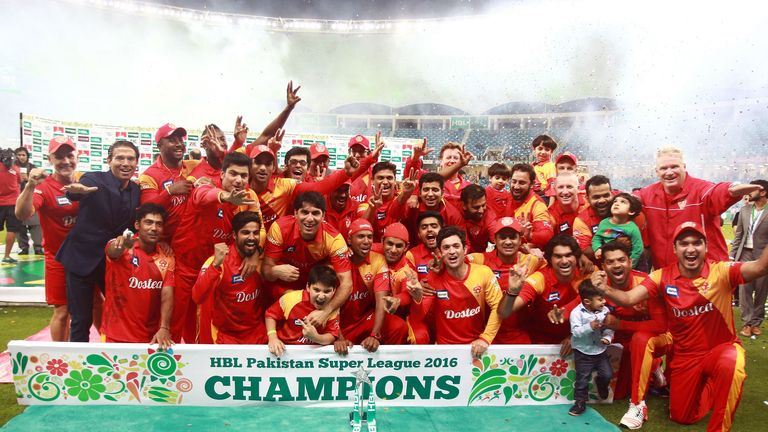 Islamabad United celebrate their 2016 Final victory over Quetta Gladiators