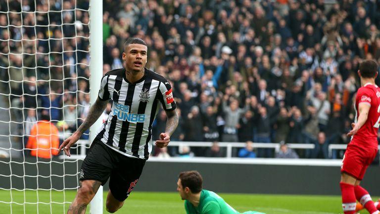 Kenedy scores Newcastle's second goal against Southampton