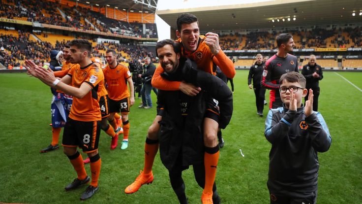 Rafa Mir of Wolverhampton Wanderers celebrates after the Sky Bet Championship match between Wolverhampton Wanderers and Birmingham City at Molineux on April 15, 2018 in Wolverhampton, England. (Photo by Catherine Ivill/Getty Images) *** Local Caption *** Rafa Mir