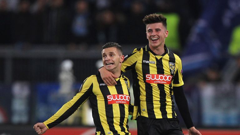 ROME, ITALY - NOVEMBER 23:  Bryan Linssen with his teammate Mason Mount (R) of Vitesse celebrates after scoring the opening goal during the UEFA Europa League group K match between SS Lazio and Vitesse at Olimpico Stadium on November 23, 2017 in Rome, Italy.  (Photo by Paolo Bruno/Getty Images)