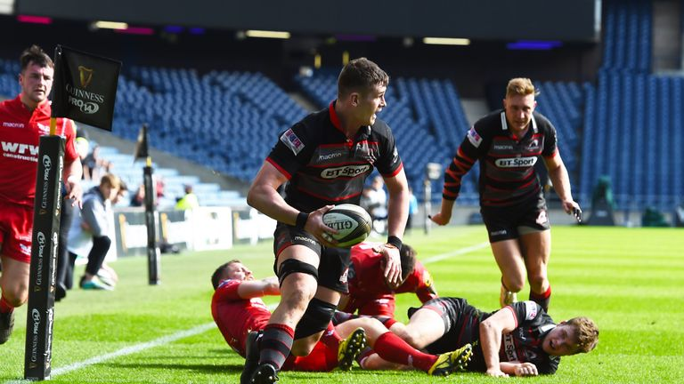 Magnus Bradbury made it a dream first quarter for the home side when he touched down for their fourth try