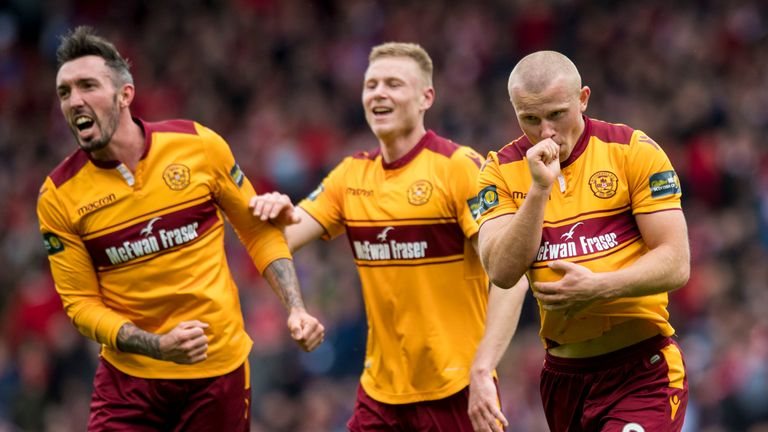 Motherwell's Curtis Main celebrates his second goal against Aberdeen in the Scottish Cup semi-final
