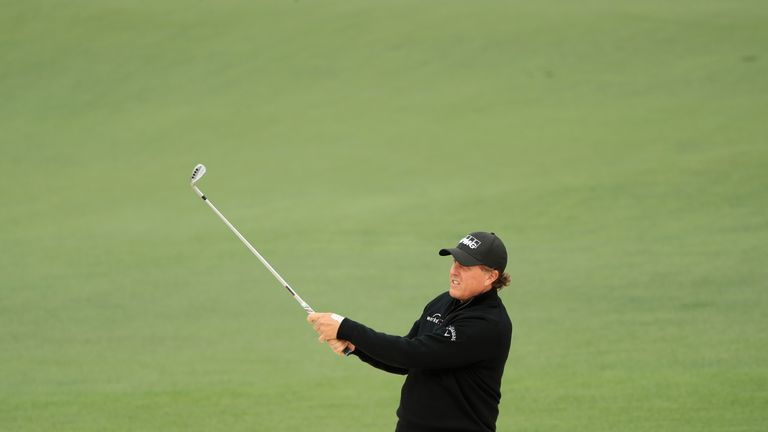 Phil Mickelson closed with a 67 at Augusta