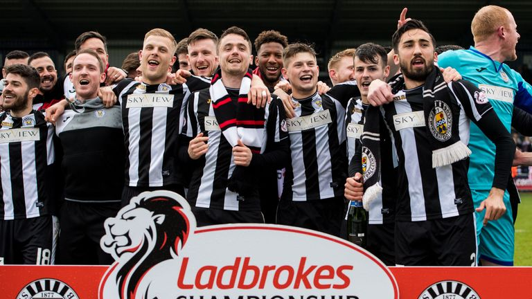 St Mirren celebrate after securing promotion to the Scottish Premiership