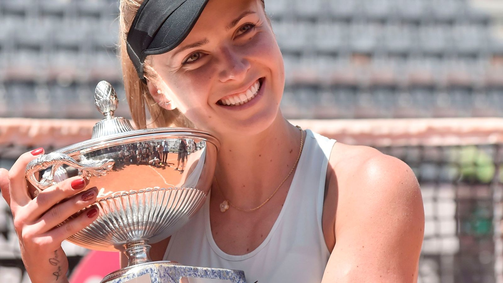 Elina Svitolina warms up for French Open with win in