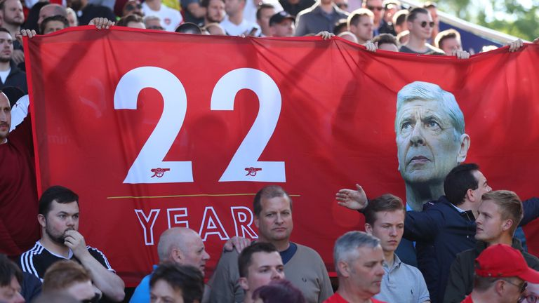 Arsenal fans paid tribute to Wenger at the John Smith's Stadium