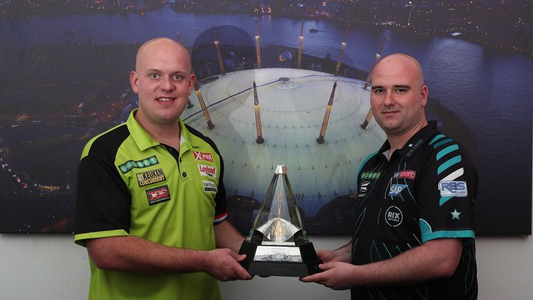 UNIBET PREMIER LEAGUE DARTS FINALS,,.PREVIEW DAY,.O2 ARENA,.LONDON.PIC;LAWRENCE LUSTIG.MICHAEL VAN GERWEN AND ROB CROSS PREPARE FOR THEIR CLASH