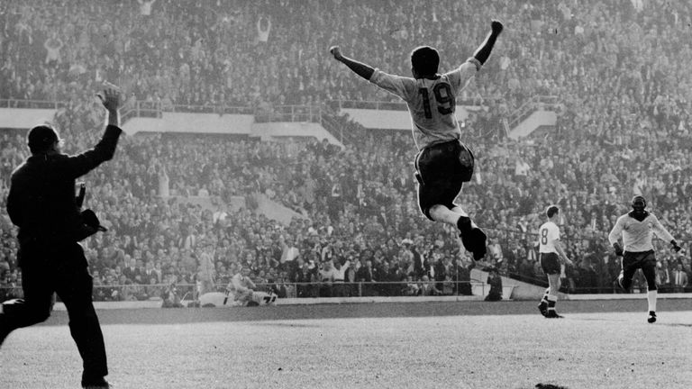 Zito celebrates scoring the second goal for Brazil during the 1962 World Cup final