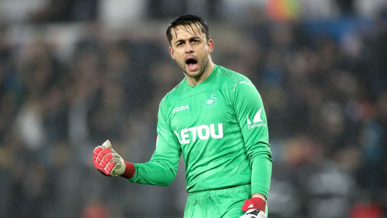 Lukasz Fabianski is closing in on a move to West Ham
