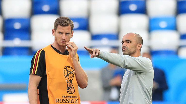 Jan Vertonghen speaks to Belgium manager Roberto Martinez during training at Kaliningrad Stadium
