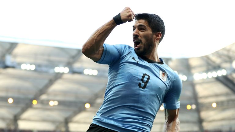 Luis Suarez has been praised by his manager Oscar Tabarez after he scored Uruguay's winner